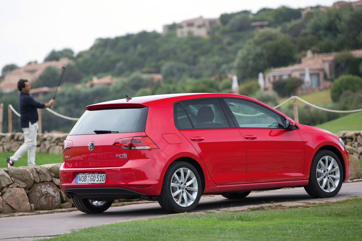 volkswagen golf 1 2 tsi 105pk cup edition specificaties auto vergelijken. Black Bedroom Furniture Sets. Home Design Ideas