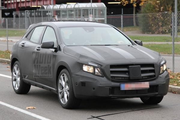 Mercedes-Benz GLA Spyshots