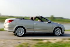 Opel Astra TwinTop 2.0 T Cosmo