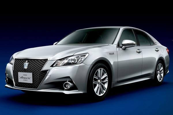 Toyota Crown 2013
