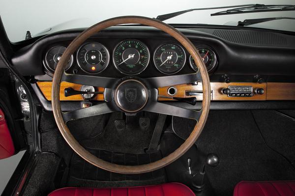 Porsche 911 Carrera 4S - Porsche 911 1963