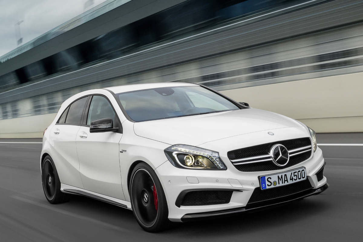 helemaal officieel mercedes a 45 amg autonieuws. Black Bedroom Furniture Sets. Home Design Ideas