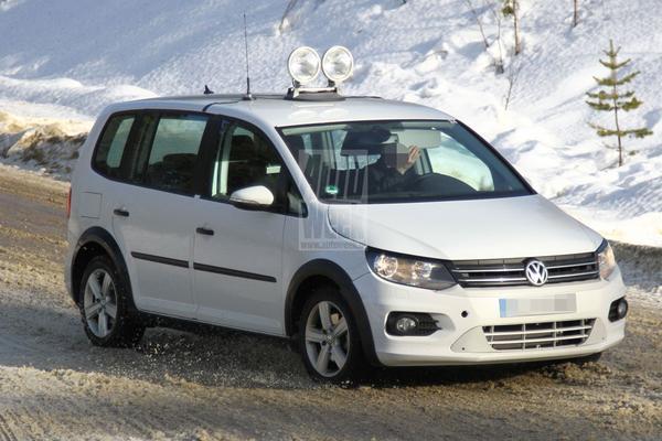 Autonieuws | VW Touran moet Golf Plus voor laten gaan