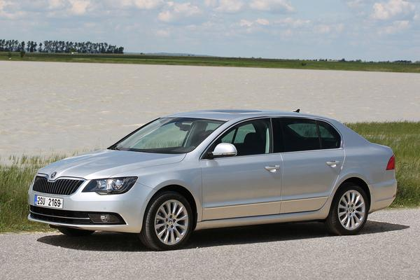 skoda superb 1 6 tdi greenline ambition businessline 2014 gebruikerservaring autoreviews. Black Bedroom Furniture Sets. Home Design Ideas