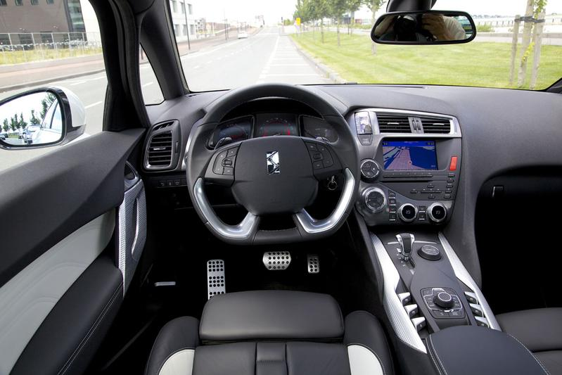citro n ds5 hybrid4 sport chic 2013 autotests. Black Bedroom Furniture Sets. Home Design Ideas
