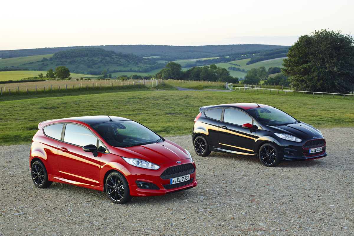 ford fiesta black red edition rijimpressies. Black Bedroom Furniture Sets. Home Design Ideas