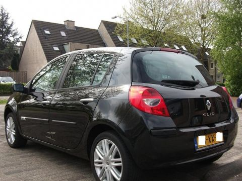 renault clio 2 0 16v initiale 2007 gebruikerservaring autoreviews. Black Bedroom Furniture Sets. Home Design Ideas