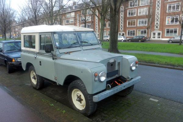 In het wild: Land Rover Series II (1968)