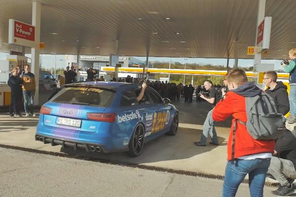 Video: Gumball 3000 maakt tankstop in Luxemburg