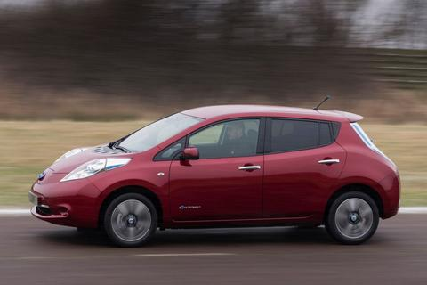 nissan leaf 24kwh visia specificaties. Black Bedroom Furniture Sets. Home Design Ideas