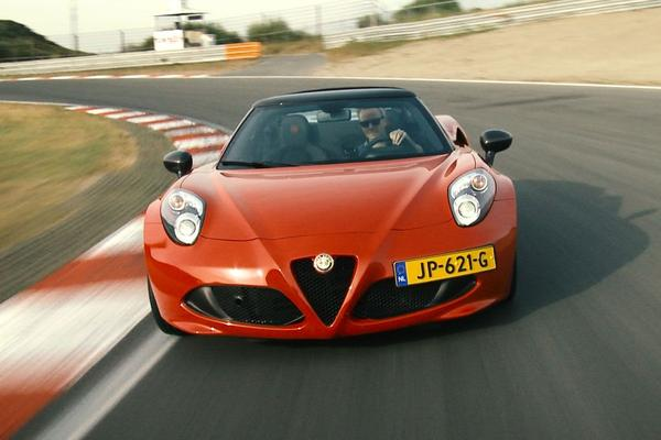 Video: Alfa Romeo 4C CPZ Track Edition - Rij-impressie