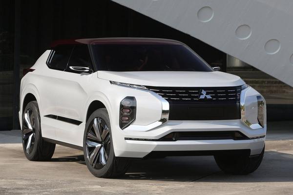In detail: Mitsubishi GT-PHEV Concept