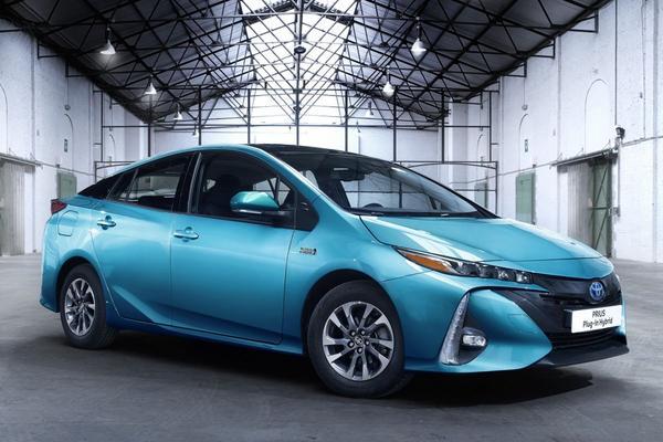 Toyota zet in op meer hybriden
