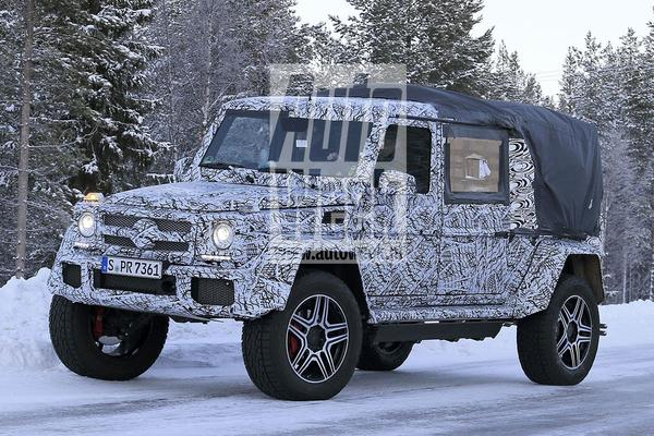 Bizarre Mercedes G-klasse '4X4² pick-up' gesnapt