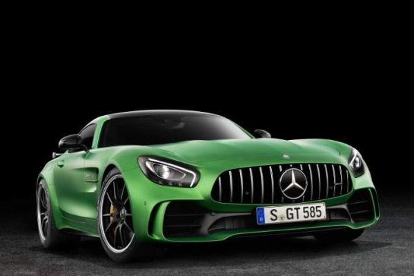 Dít is de Mercedes-AMG GT-R