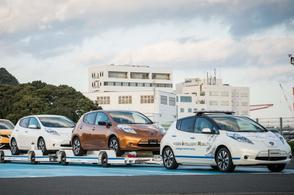 Zelfrijdende Nissan Leaf bezorgt auto's in Japan