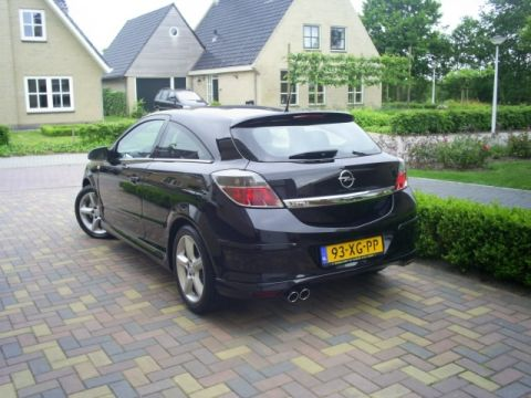 opel astra gtc 1 8 cosmo 2007 gebruikerservaring. Black Bedroom Furniture Sets. Home Design Ideas
