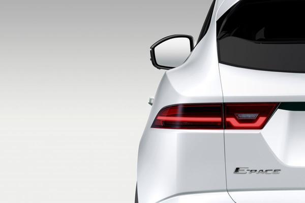Jaguar warmt op voor komst E-Pace