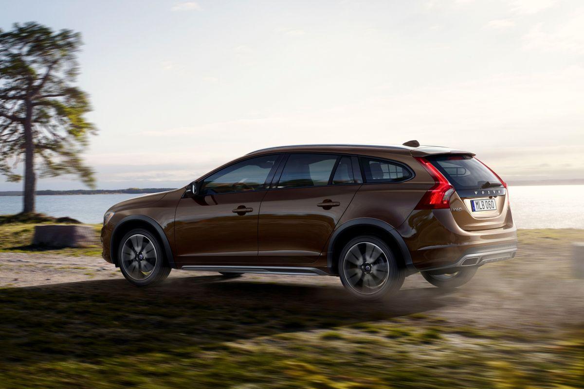 Dit Is De Volvo V60 Cross Country Autonieuws Autoweek Nl