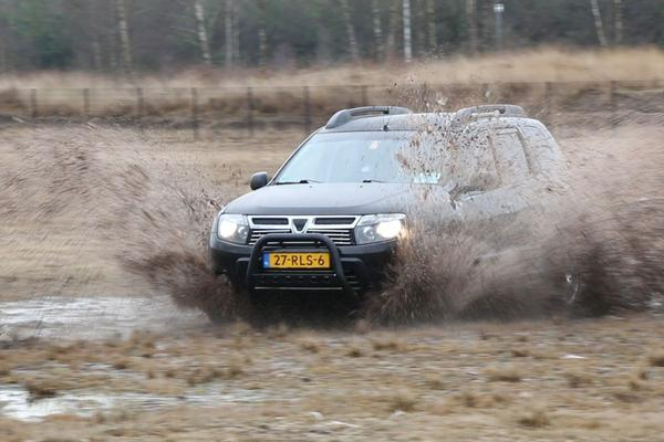 Video: Dacia Duster 1.5 dCi - 2011 - 306.273 km - Klokje Rond