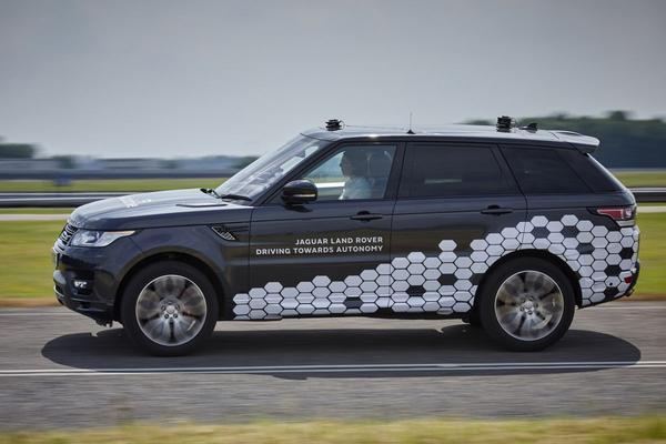 Jaguar Land Rover toont autonome testauto's