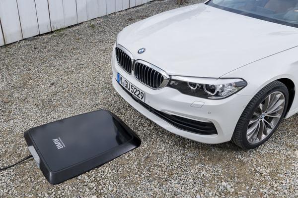 BMW gaat draadloos laden