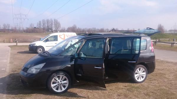 renault grand espace 2 0 turbo 16v initiale 2004 gebruikerservaring autoreviews. Black Bedroom Furniture Sets. Home Design Ideas
