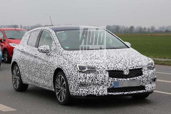 Nieuwe Opel Astra laat meer zien