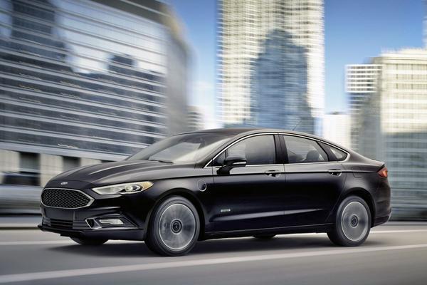 Ford Fusion Energi komt nog verder