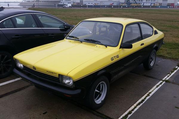 In het wild: Opel Kadett C GT/E