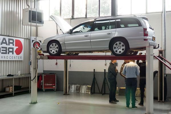 Autobranche heeft meeste werk sinds 2008