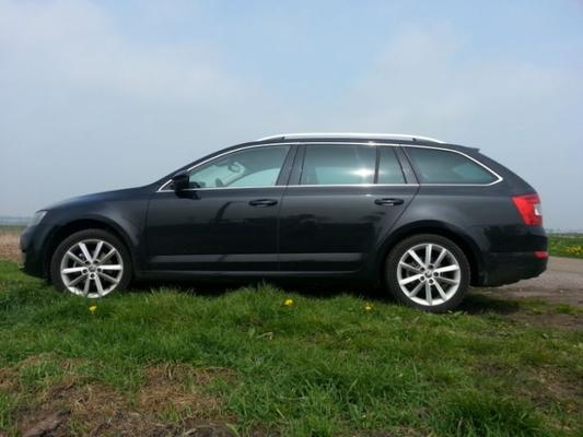 skoda octavia combi 2 0 tdi 4x4 elegance 2013 gebruikerservaring autoreviews. Black Bedroom Furniture Sets. Home Design Ideas