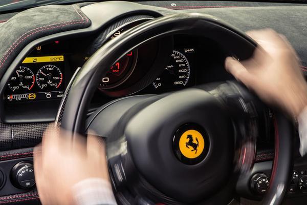'Ferrari overweegt fiscale verhuizing'