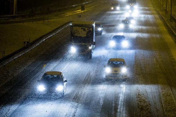 'Snelwegverlichting aan bij slecht weer'