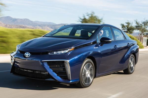 Toyota schroeft Mirai-productie op