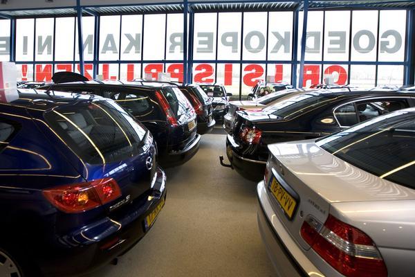 Verkoop tweedehands auto's stijgt