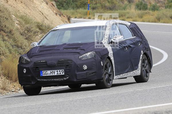 Mysterieuze Hyundai i40 Wagon gesnapt