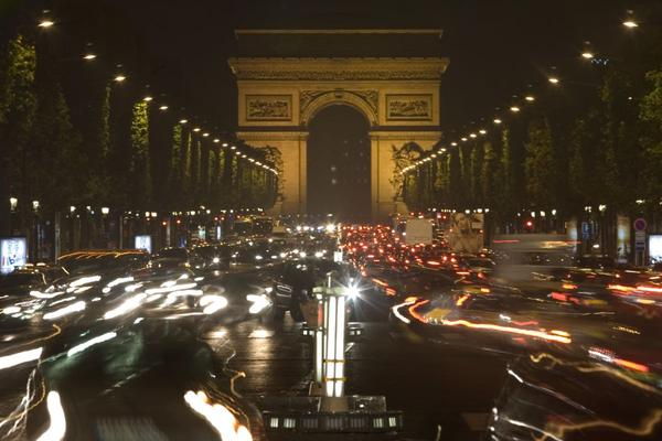 Parijs doet diesel in de ban