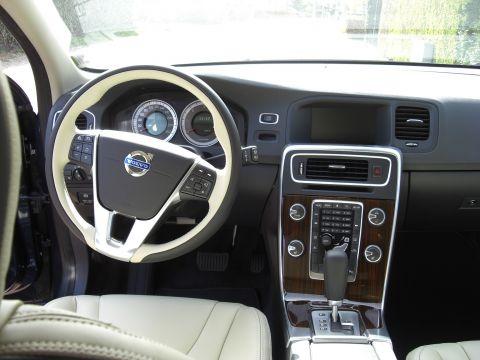Volvo v60 d3 momentum 2011 gebruikerservaring for Auto interieur verlichting