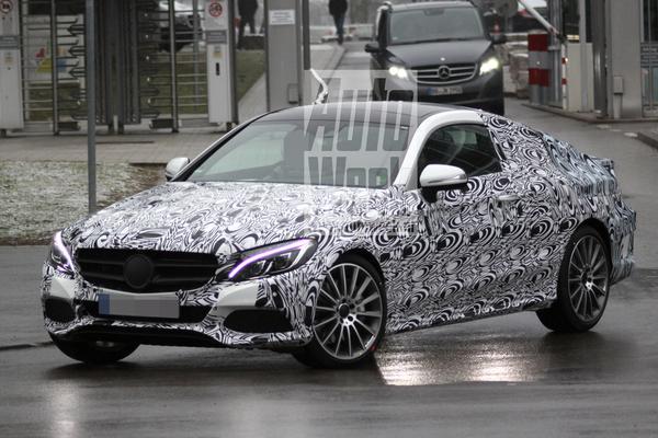 Mercedes C-klasse coupé gekiekt