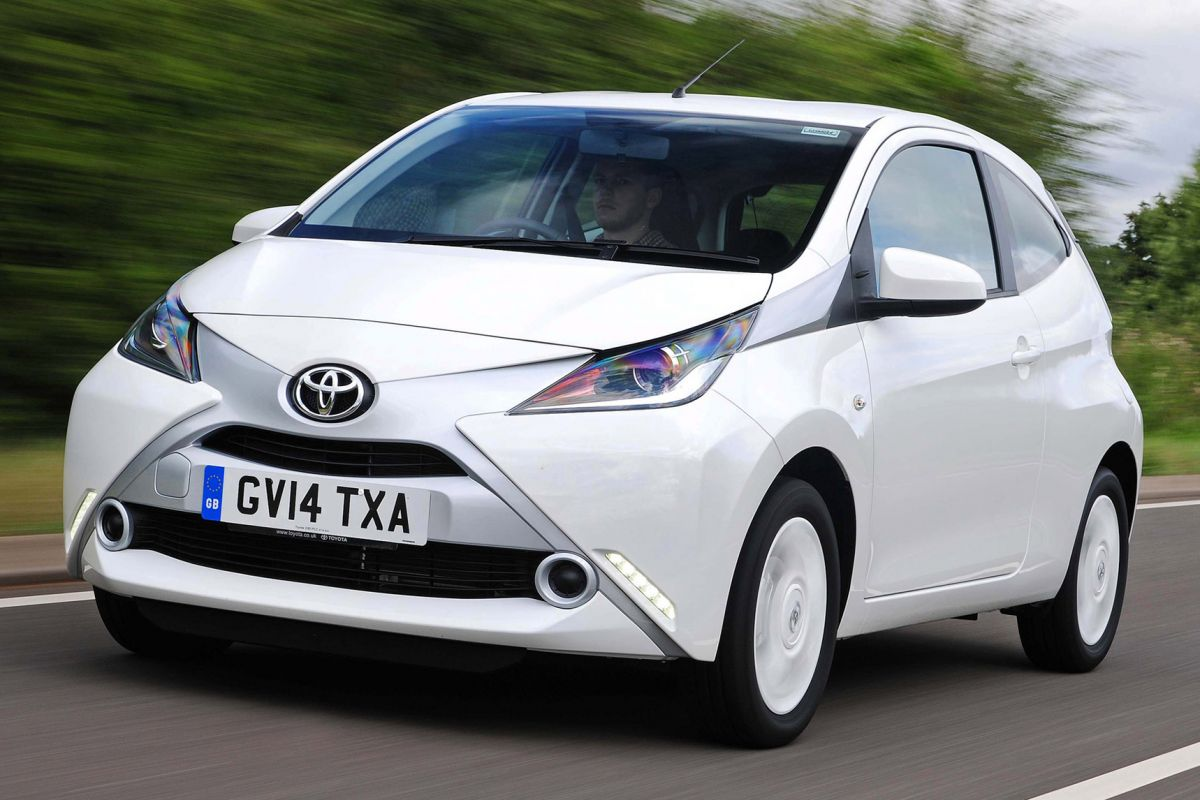 toyota aygo 1 0 vvt i x play specificaties. Black Bedroom Furniture Sets. Home Design Ideas