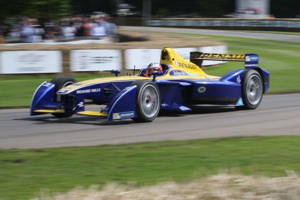 Steeds meer merken stappen in Formule E