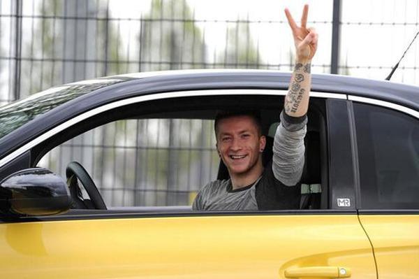 Megaboete Marco Reus voor rijden zonder rijbewijs