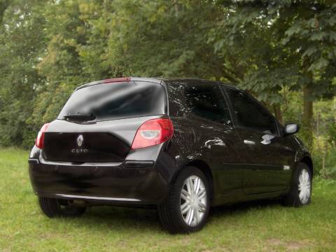 renault clio 1 5 dci 105 initiale 2006 gebruikerservaring autoreviews. Black Bedroom Furniture Sets. Home Design Ideas