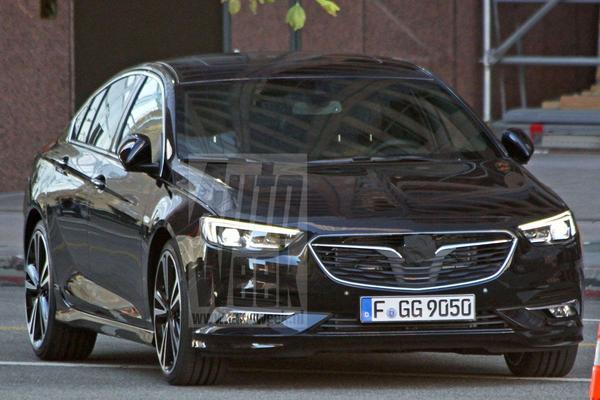 Wég met die camouflage: Opel Insignia!