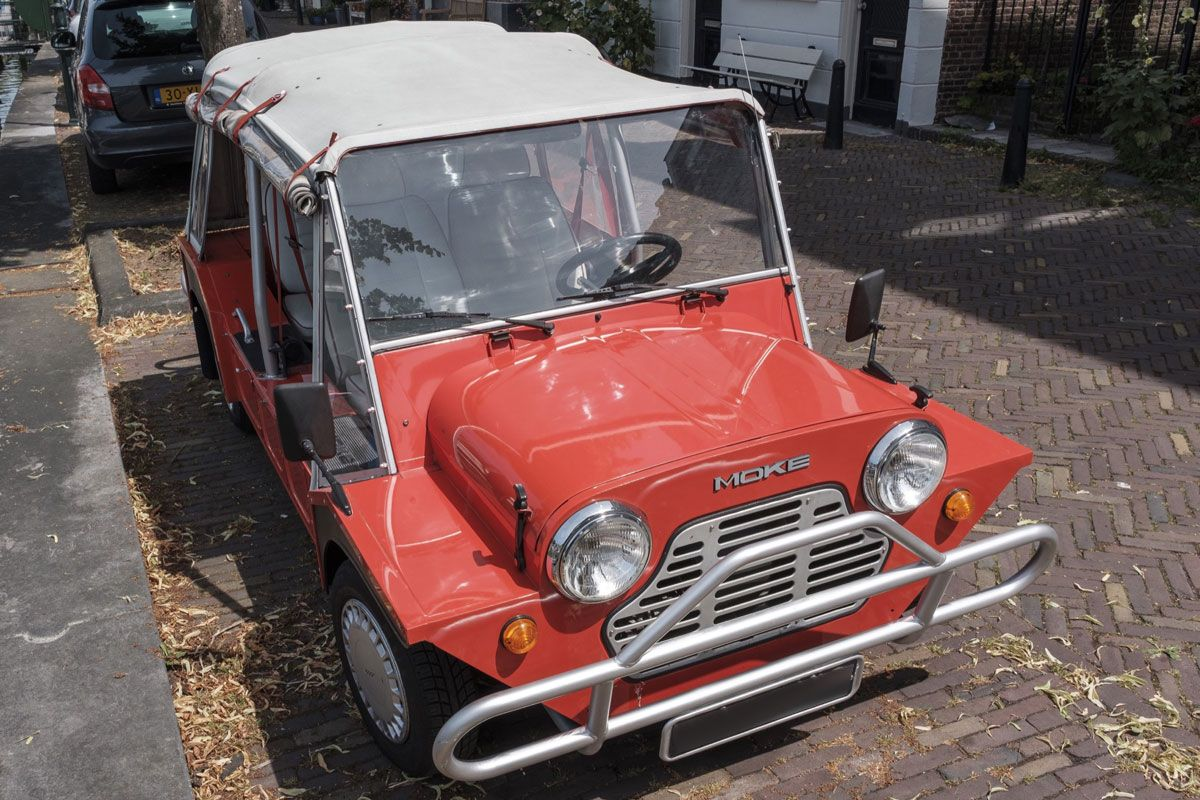 in het wild austin mini moke 1987 autonieuws. Black Bedroom Furniture Sets. Home Design Ideas