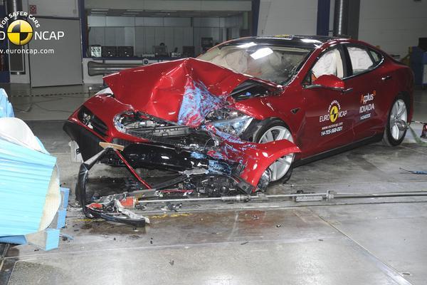 Amerikaanse crashtests met focus op achterbank