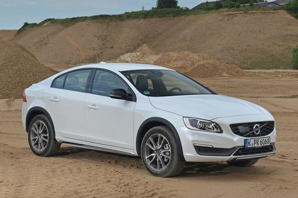 Afgestoft: Volvo S60 Cross Country