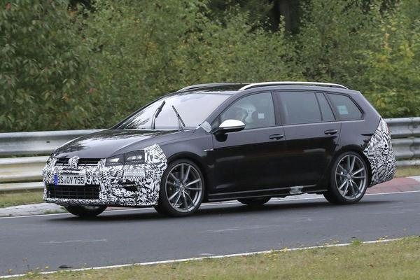 Video: Volkswagen Golf R Variant (2017) - Spionage