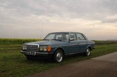 Mercedes-Benz 220 D W123